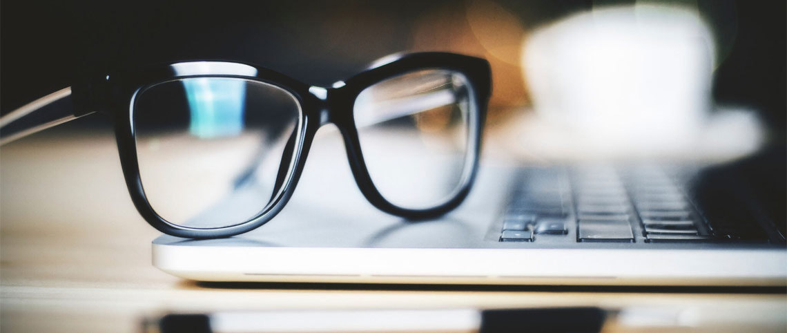 e412ffa40 Trenger du databriller? - Synsam
